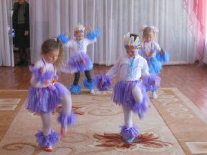 Дошкільна група Великошкарівського НВК із запальним таночком «Чунга-чанга»